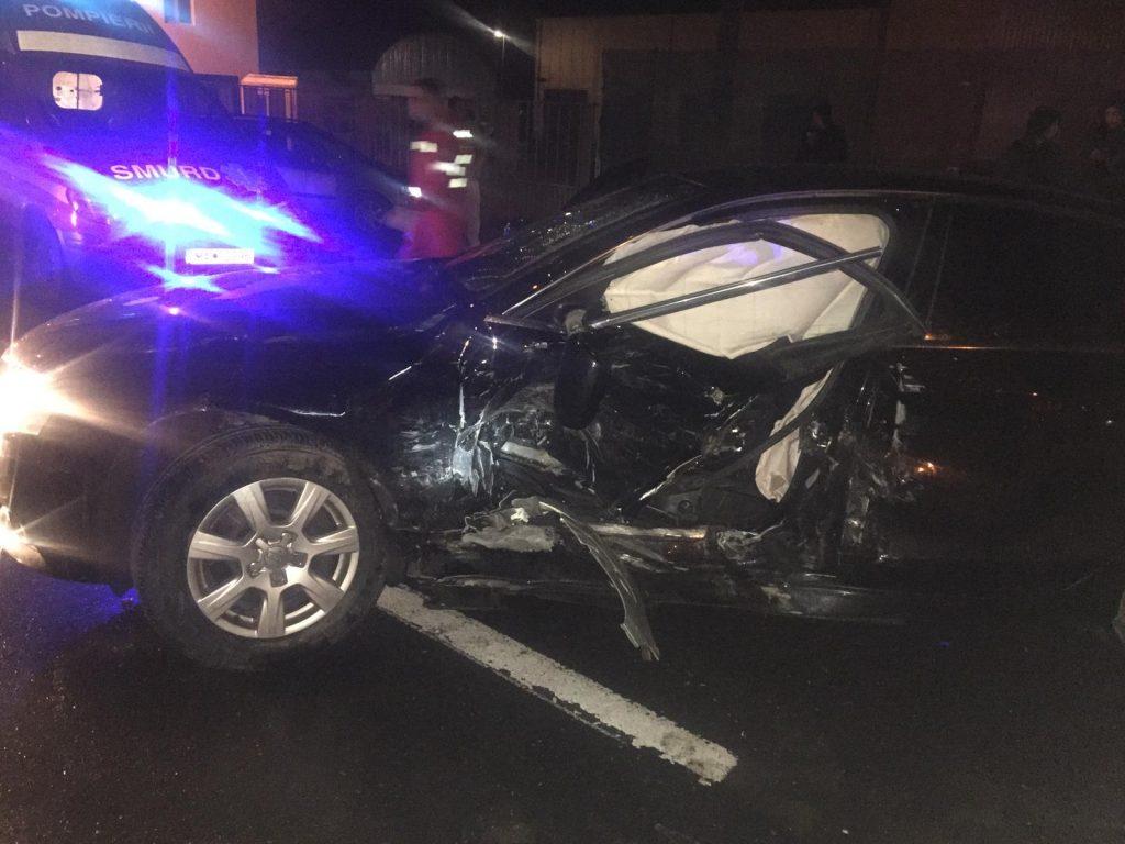 Accident rutier grav pe DN 3B în localitatea Borcea, două autovehicule și opt persoane implicate