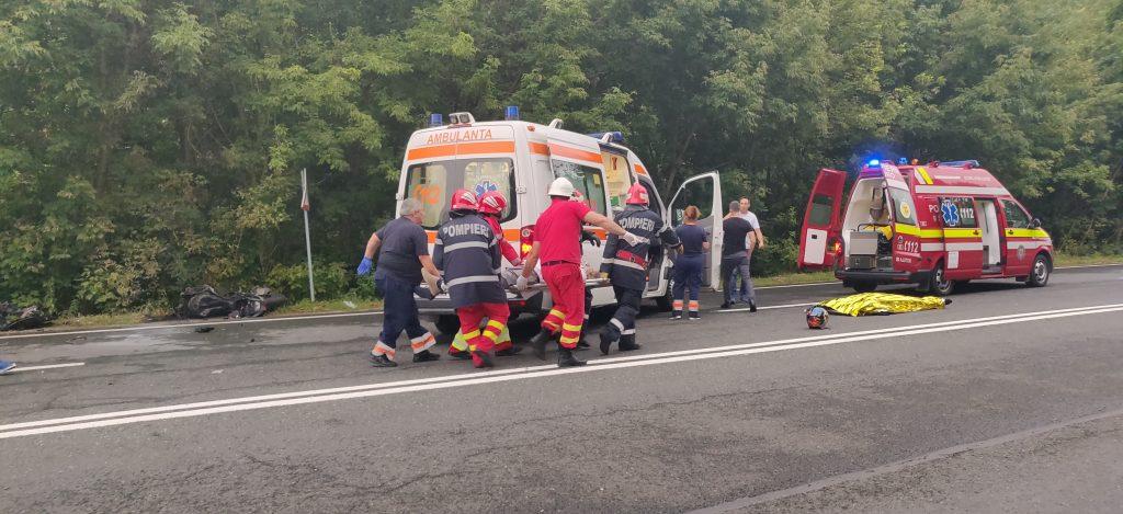 Accident groaznic pe DN3. Un motociclist și un conducător auto și-au pierdut viața